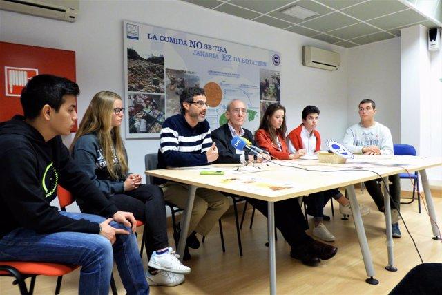 Rueda de prensa de recogida escolar del Banco de Alimentos de Navarra.