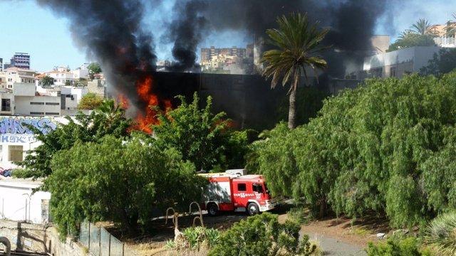 Incendio en la antigua facultad de Bellas Artes