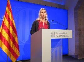 """AV.- El Govern garantiza """"proteger"""" a los funcionarios aunque no aclara si prevé sanciones"""