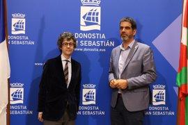 El Ayuntamiento de San Sebastián renueva su imagen corporativa después de 30 años