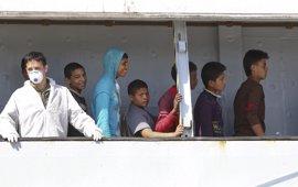 """La Eurocámara pide que """"en ningún caso"""" se detenga a los menores de edad que llegan a la UE de manera irregular"""
