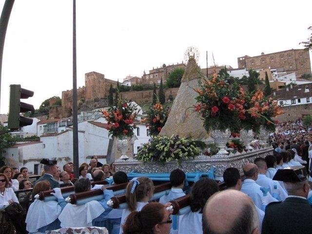 La Virgen de la Montaña de Cáceres baja este miércoles de su santuario