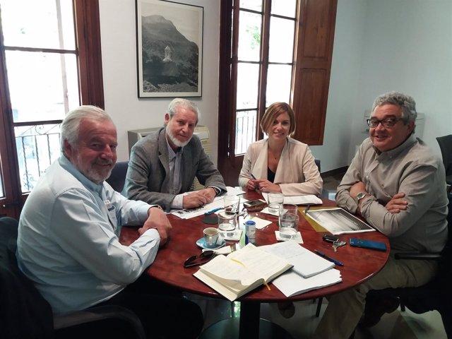Reunión con promotores y constructores
