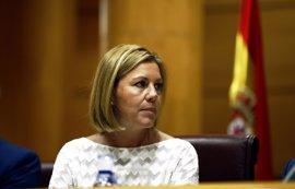 Cospedal le dice al PSOE que varios de sus alcaldes también izan a media asta la bandera en Semana Santa y sin críticas