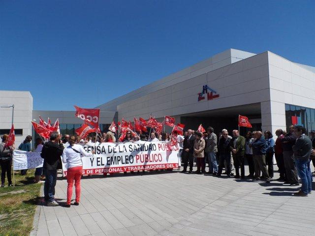 Protesta en el Hospital Tres Mares de Reinosa