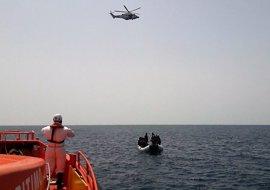 Rescatados más de cien inmigrantes en cuatro pateras frente a la costa de Almería