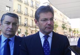 Catalá reitera su compromiso de atender a las asociaciones de víctimas del franquismo