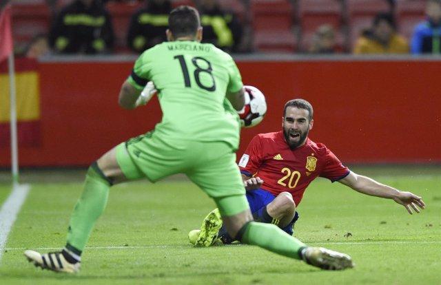 Dani Carvajal con la selección española de fútbol