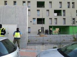 """Detienen en Ceuta a un español acusado de ser """"pieza esencial"""" en la captación y adoctrinamiento de DAESH"""
