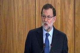 Rajoy respalda a Catalá y Zoido y se dice dispuesto a ir a la comisión sobre financiación del PP
