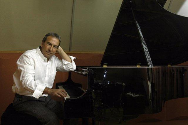 El Cantante José Luis Perales