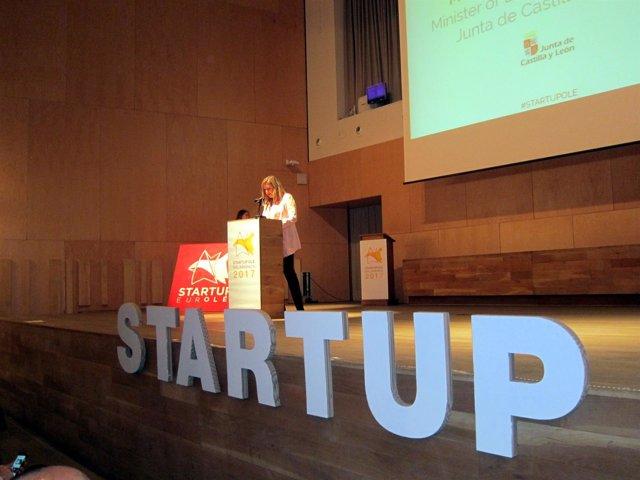 Pilar Del Olmo En La Inauguración De Startup Olé