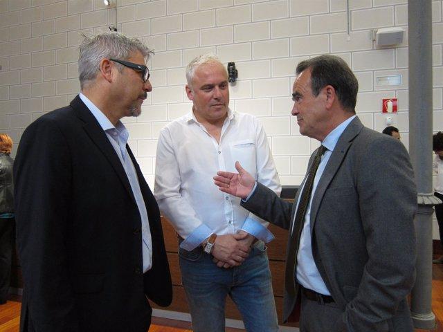 Sánchez Quero (PSOE), con Artajona (PP) y Miramón (En Común) en el pleno de DPZ