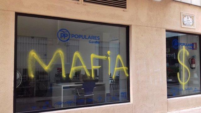 Pintadas en la sede del PP de Gandia
