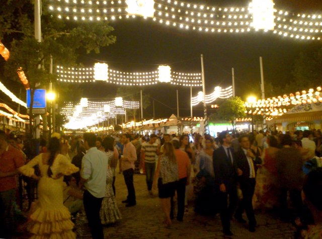 Una de las calles de la Feria de Abril de Sevilla