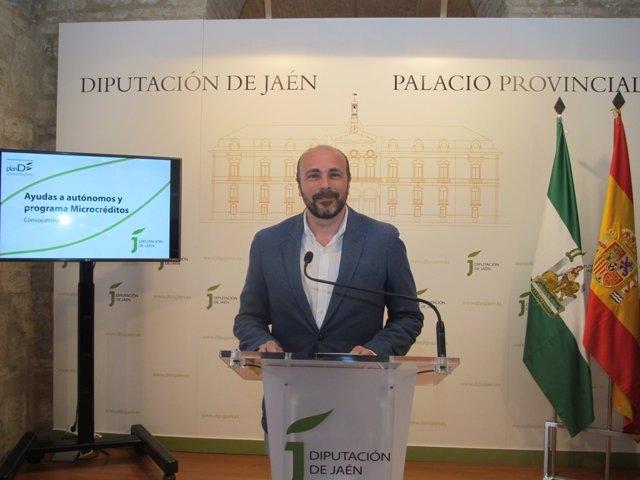 Manuel Hueso presentado las nuevas iniciativas