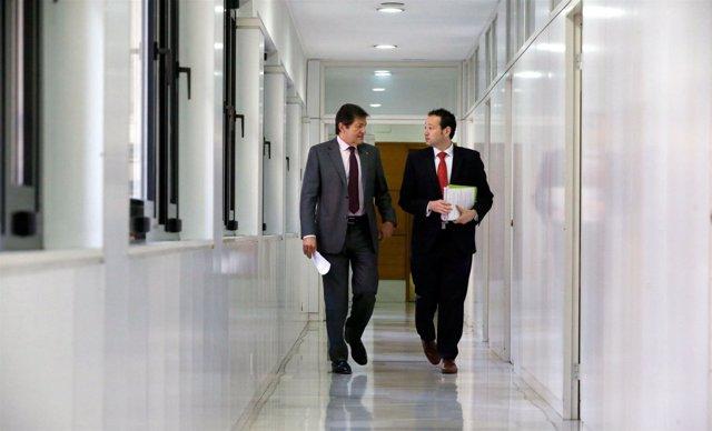Presidente y consejero en la sede de Presidencia en Oviedo