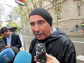 """El Gobierno promete apoyar a los funcionarios catalanes y se pregunta si Lluís Llach """"ha perdido el juicio"""""""