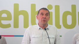 "Otegi propone ""arrastrar a las bases del PNV"" a un proceso soberanista similar al de Cataluña"