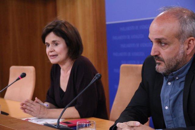 La portavoz adjunta de Podemos, Esperanza Gómez, y el diputado Jesús de Manuel