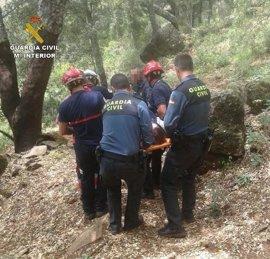 Localizan a una mujer británica que se había fracturado una pierna haciendo senderismo en Almonaster (Huelva)