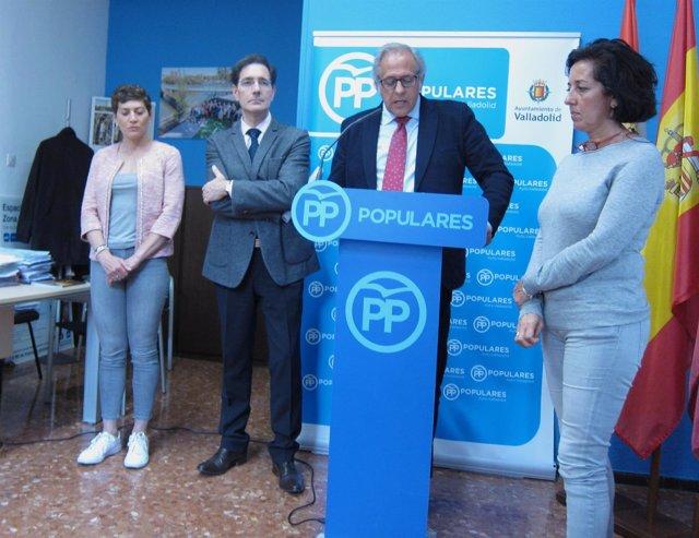 Martínez Bermejo comparece junto a concejales del Partido Popular