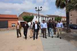 """Monago pide a la Junta que """"no se olvide"""" de los ayuntamientos extremeños"""
