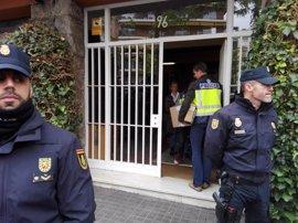 Acaba el registro en el piso barcelonés del expresidente Jordi Pujol tras más de 6 horas