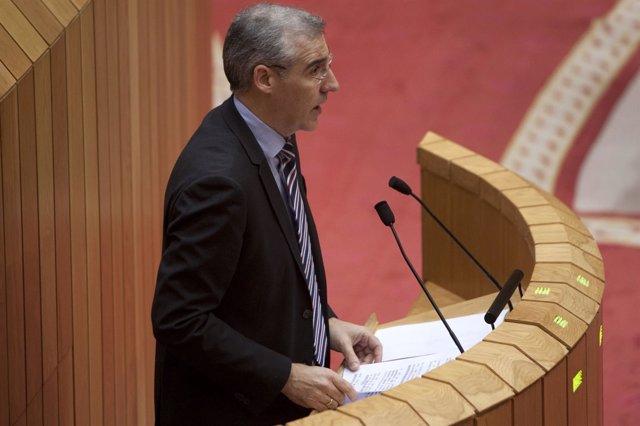 Francisco Conde en el pleno del Parlamento de Galicia