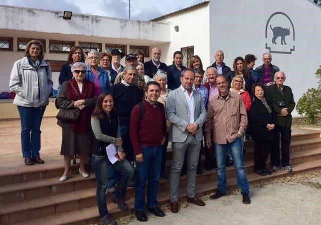 Algar (centro), junto a los participantes en el encuentro