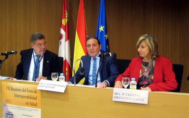 Mesa inaugural del foro organizado en Salamanca.