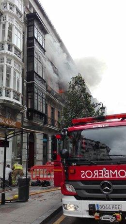 Incendio en la calle Uría, 58 de Oviedo