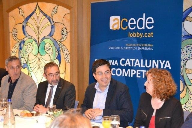Gerardo Pisarello y Sara Berbel en un almuerzo con empresarios de Acede