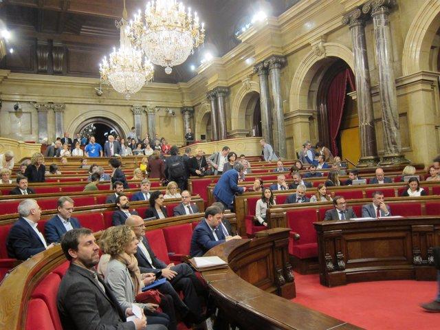 Pleno En El Parlament
