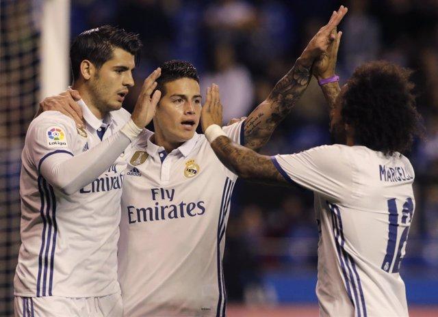 Morata, Isco y Marcelo celebran un gol del Real Madrid en Riazor