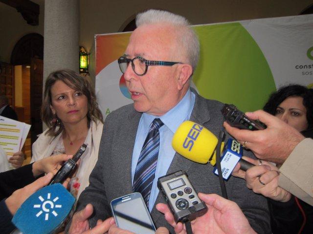 El consejero de Empleo, José Sánchez Maldonado