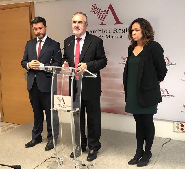 Joaquín López, Rafael González Tovar e Isabel Casalduero