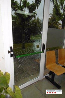 Detenido por robar cuatro veces en un centro sanitario de Sant Joan les Fonts