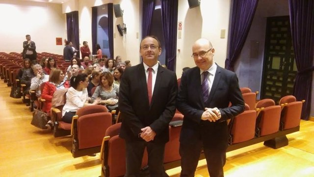 Martín (izda.) y Carmona inauguran el encuentro