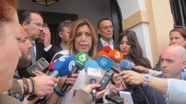 """Díaz cree que Andalucía """"va por el buen camino"""" apostando """"a pulmón"""" por el empleo y """"sin ayuda"""" del Gobierno"""