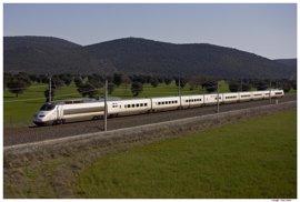 Renfe pone en servicio 65 trenes con doble de plazas entre Madrid y Andalucía durante el puente del 1 de Mayo