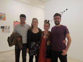 La exposición IN/OUT contrasta las metodologías artísticas de los vallisoletanos Laura López y César S. Baroja