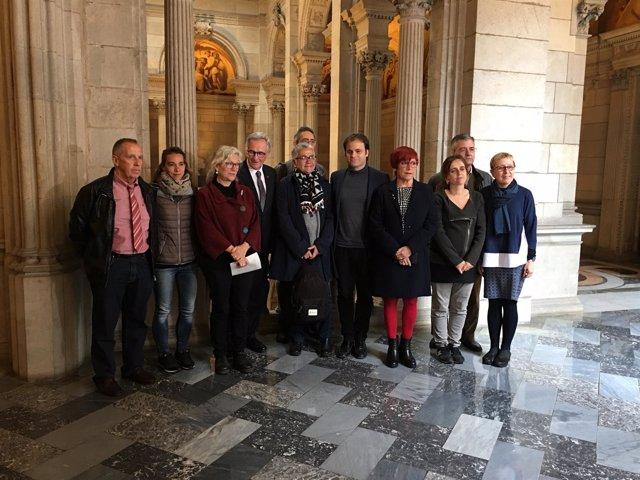Reunión de la asociación Dret a Morir Dignament-Catalunya en el Ayuntamiento