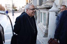 """Fiscalía propone el archivo de la denuncia contra el arzobispo de Granada por """"apología del odio"""""""