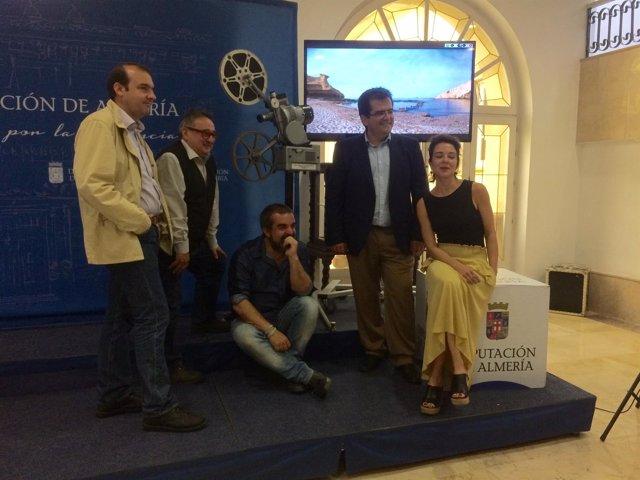 """Un grupo de cineastas descubre localizaciones """"espectaculares"""" en Almería."""