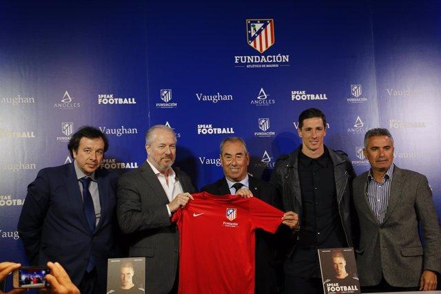 Torres en la presentación del Campus Fútbol&Inglés Vaughan y de Speak Football