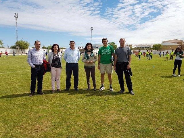 El delegado de Educación, Vicente Zarzza, asiste olimpiadas de CPR en Valverde.