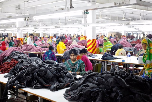 Fábrica textil en Dacca (Bangladesh)