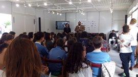 La Feria del Libro de Granada se hace políglota en el encuentro lector de centros bilingües de la provincia