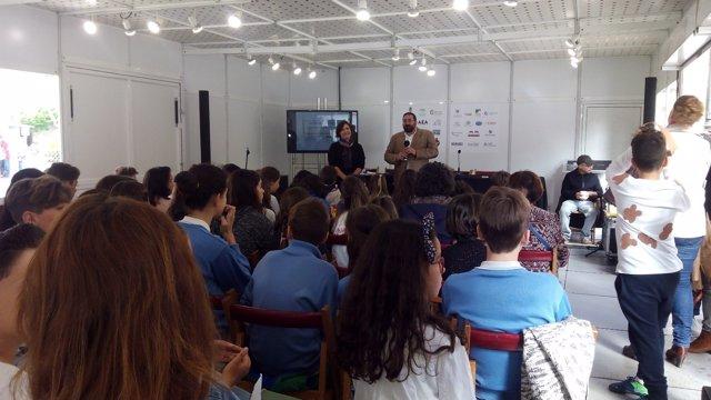 Encuentro de centros bilingües en la Feria del Libro